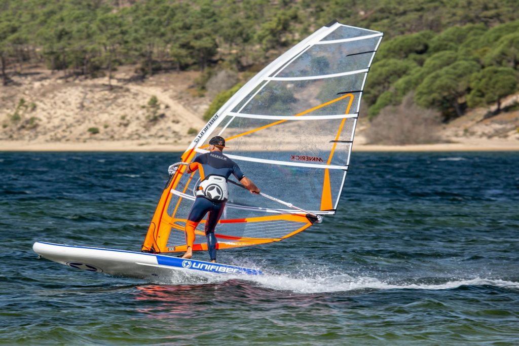 inflatable windsurfing board